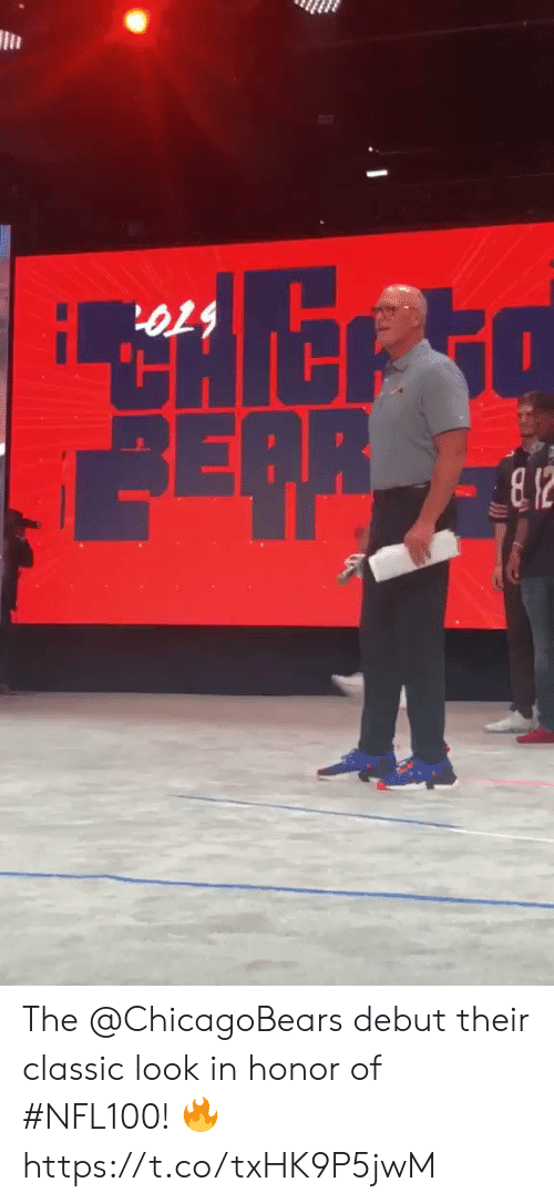 Memes, 🤖, and Debut: 6T9  REPR The @ChicagoBears debut their classic look in honor of #NFL100! 🔥 https://t.co/txHK9P5jwM