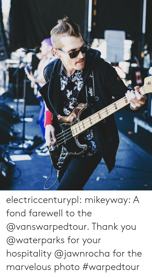 hospitality: electriccenturypl:  mikeyway: A fond farewell to the @vanswarpedtour. Thank you @waterparks for your hospitality  @jawnrocha for the marvelous photo #warpedtour