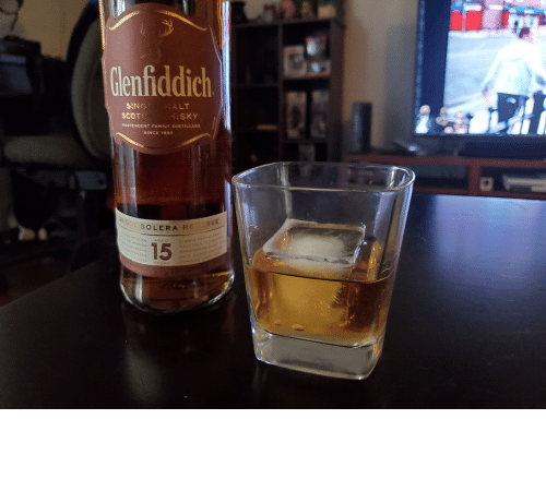 gak: Glenfiddich  MALT  SING  HISKY  SCOTC  INDEPENDENT FAMILY DISTILLERS  SINCE 1887  UNIQUE SOLERA RE RVE  ALWAY EP at  HAL FULL r CREATE  ARMONIDU  MRA VAT IS AN  AGEO  TOk MARRIES  15  ATURED IN  wR CN AND  GAK CASKS  YEARS  PRODUCT O  COL9EL Classy wednesday.