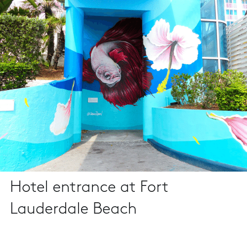 Hotel: Hotel entrance at Fort Lauderdale Beach