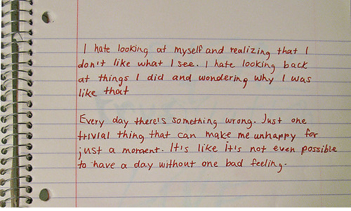 looking back: I hate looking af myself and realizing that (  idonit like what I see .. I hate looking back  at things I did and wondering why L was  like thoct  Exery day therels something urang. Just ohe  tivial thing that can ake me unhappy far  st a moment. IHis like Itis not even posible  to have a day without one bad feelin  OSSI