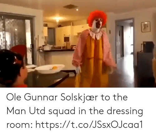 Soccer, Squad, and Man Utd: Ole Gunnar Solskjær to the Man Utd squad in the dressing room: https://t.co/JSsxOJcaa1