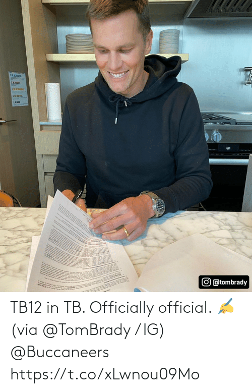 Official: TB12 in TB.   Officially official. ✍ (via @TomBrady / IG) @Buccaneers https://t.co/xLwnou09Mo